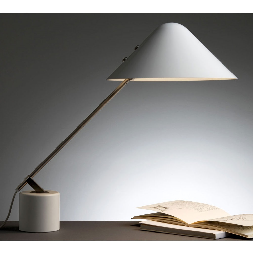 E27 Modern Simple Metal Reading Table Desk Lamp for Indoor Decoration & Hotel Project